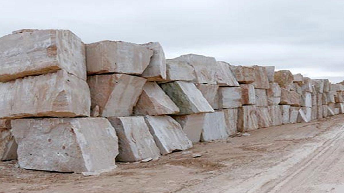 تقویت جایگاه ۲ هزار و ۲۰۰ معدن سنگ تزیینی کشور در اقتصاد ضروری است