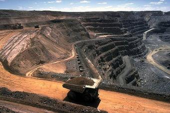 با کاهش مجدد 7 دلاری، سنگ آهن به 106 دلار رسید!