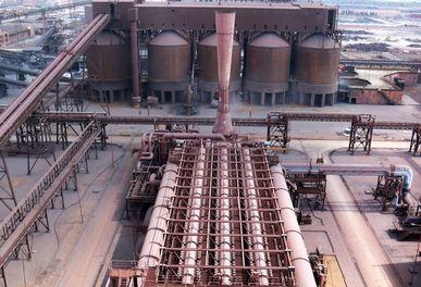 کارگران چشم به راه فعالیت مجدد صدر فولاد خرم آباد