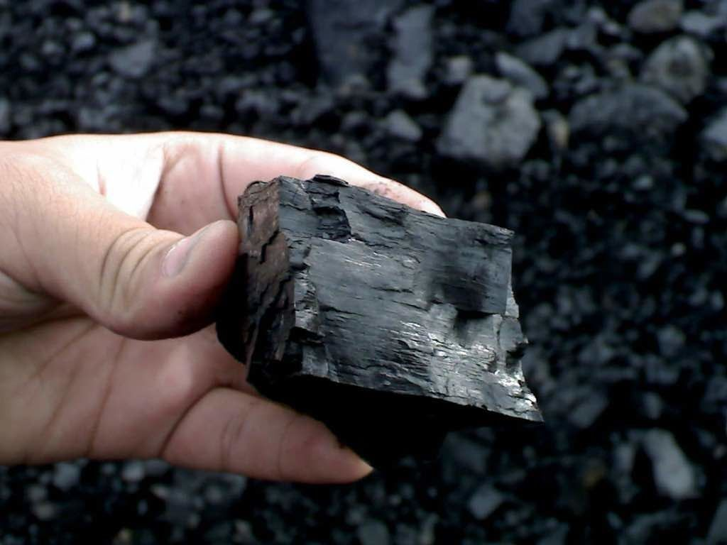 بحران برق در هند به دنبال کاهش ذخایر زغال سنگ